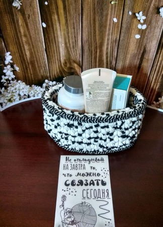 Косметичка-корзина из трикотажной пряжи ручной работы на заказ