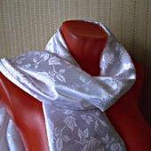 """Белый палантин ручной работы из ткани """"Белые розы"""" модель 1"""