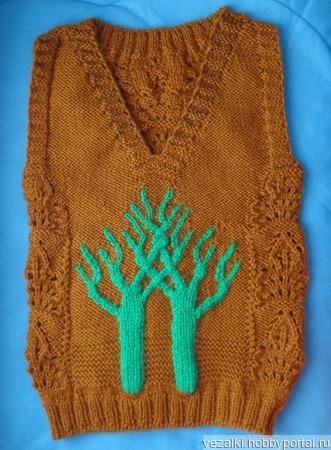 Жилет с деревом ручной работы на заказ