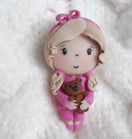 Брошь Куколка с мишкой ручной работы на заказ