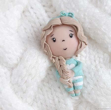Брошь Куколка ручной работы на заказ