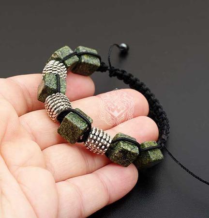 Браслет шамбала из натуральных камней Змеевик ручной работы на заказ