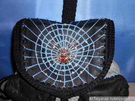 Рюкзак «Каракурт» вязаный крючком ручной работы на заказ
