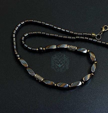 Чокер/короткие мужские бусы Легионер (гематит, латунь) ручной работы на заказ