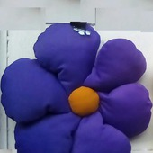 Подушка-цветок фиолетовая 4.1.3.3.2