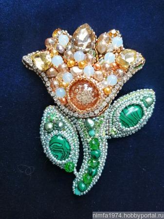 """Брошь """"Каменный цветок"""" с натуральными камнями ручной работы на заказ"""