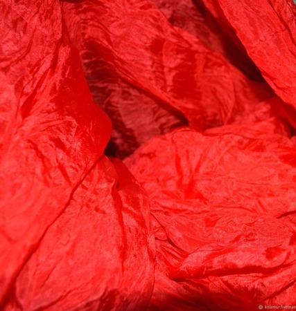Шарф палантин шелковый женский красно оранжевый Энергия ручной работы на заказ