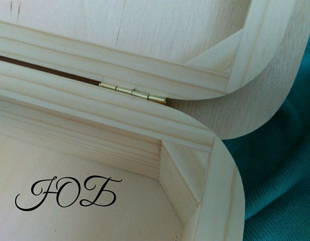 Шкатулка фигурная округлая ручной работы на заказ