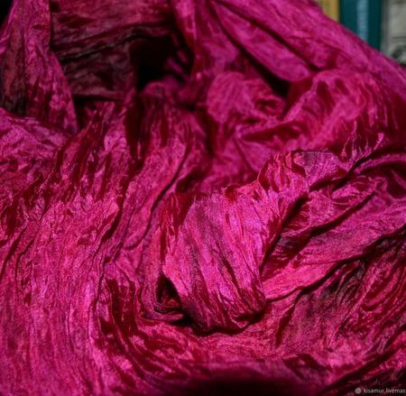 Шарф палантин женский малиновый натуральный шелк ручная работа ручной работы на заказ