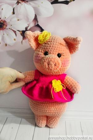 Вязаная свинка ручной работы на заказ