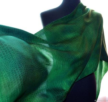 Женский Шарф зелёный жакард рептилия крокодил ручной работы на заказ