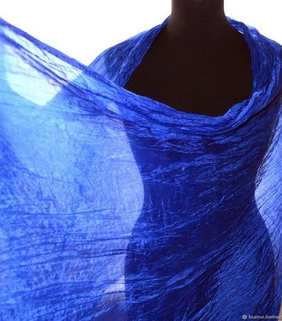 Женский шарф ультрамариновый из натурального шелка широкий длинный ручной работы на заказ