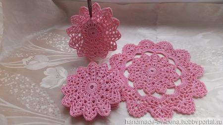 Комплект салфеток подставок под горячее розовый ручной работы на заказ