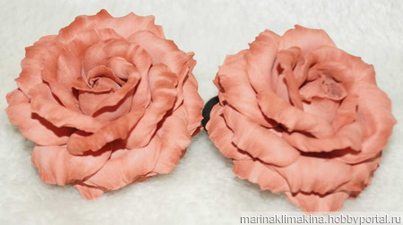 Роза - резинка ручной работы на заказ