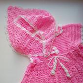 Вязаное первое платье и косыночка для девочки