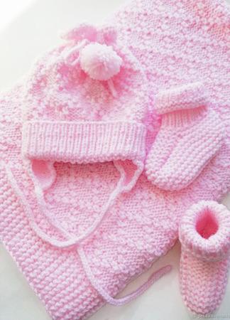 Комплект для новорожденных на выписку ручной работы на заказ