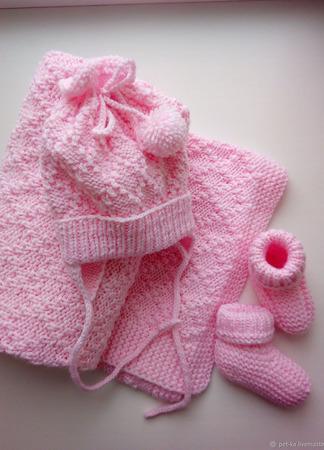 Комплект для новорожденного Шапочка и Пинетки ручной работы на заказ