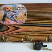 Ключница настенная деревянная в подарок охотнику