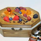 """Шкатулка для печенья, сладостей, конфет """"Ягодный десерт"""""""
