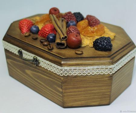 """Шкатулка для печенья, сладостей, конфет """"Ягодный десерт"""" ручной работы на заказ"""