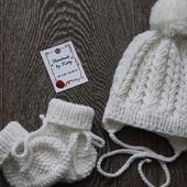 Шапочка и пинетки на новорожденных