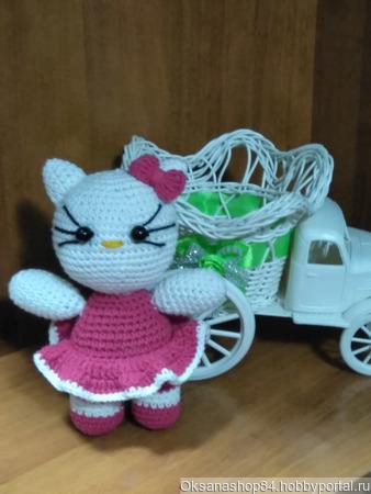 """Вязаная """"Hello Kitty"""" крючком ручной работы на заказ"""