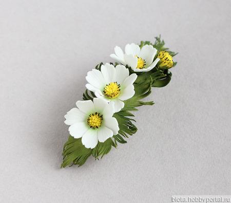 """Заколка с белыми цветами и брошь """"Космея"""" ручной работы на заказ"""