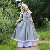 Хлопковое платье с шитьем