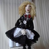 Скульптурно-текстильная кукла Вика