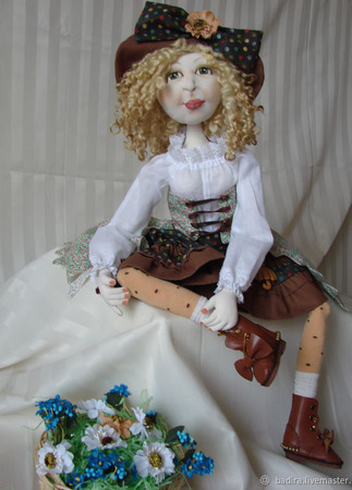 Скульптурно-текстильная кукла Цветочница Анюта ручной работы на заказ