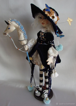 Скульптурно-текстильная кукла Маленькая всадница ручной работы на заказ