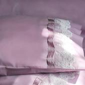 Постельное белье с кружевом и стразами