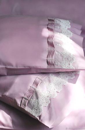 Постельное белье с кружевом и стразами ручной работы на заказ