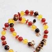 Ожерелье с сердоликом, тигровым глазом и халцедоном