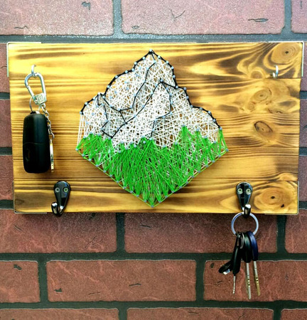 """Ключница в стиле стринг-арт """"Mountains"""" ручной работы на заказ"""