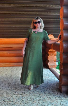 """Платье льняное """"Цвет леса"""" ручной работы на заказ"""