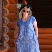 Льняное платье с ручной вышивкой