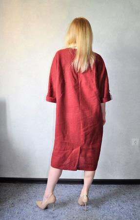 Платье льняное комбинированное ручной работы на заказ