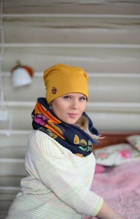 Комплект из трикотажа - шапка бини и снуд ручной работы на заказ