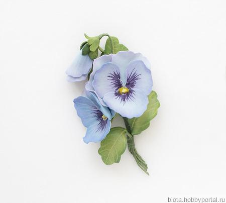 Брошь голубые анютины глазки букетик цветов ручной работы на заказ