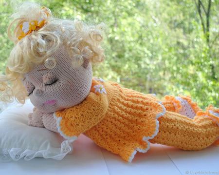 Вязаная кукла Сонечка ручной работы на заказ