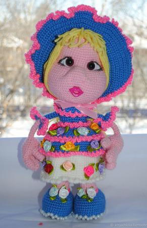 Вязаная кукла Цветочница Ксюша ручной работы на заказ