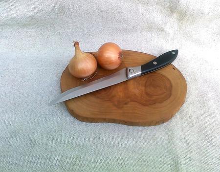 Дощечка для нарезки из спила яблони ручной работы на заказ
