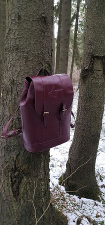 Большой рюкзак из натуральной кожи бордовый ручной работы на заказ