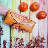 """Очечник футляр из кожи растительного дубления с тиснением """"Осенний лист"""""""