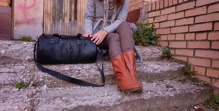 Кожаная женская спортивная сумка ручной работы на заказ