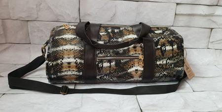 Женская спортивная сумка из кожи с принтом под змею ручной работы на заказ