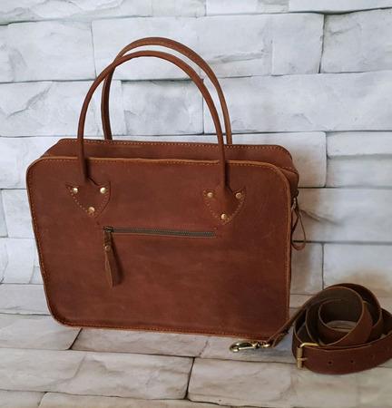 Сумка портфель из натуральной кожи ручной работы на заказ