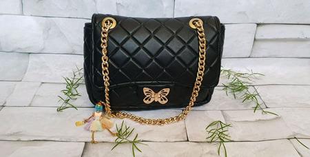 Черная женская сумка из натуральной кожи по мотивам Chanel ручной работы на заказ