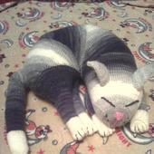 Спящий кот (игрушка-подушка)